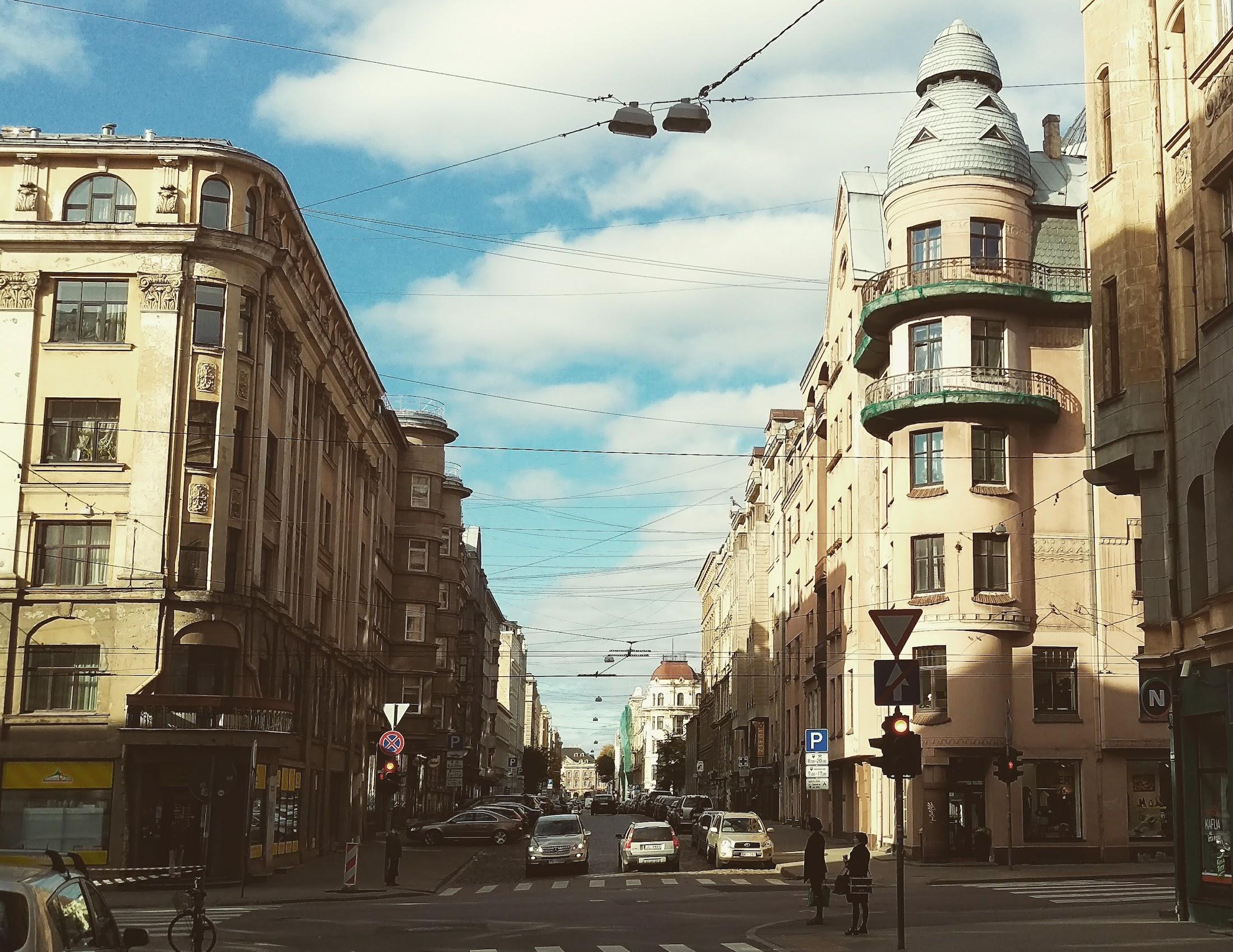 Corner of Blaumaņa and Čaka Street - Border of Avoti neighborhood
