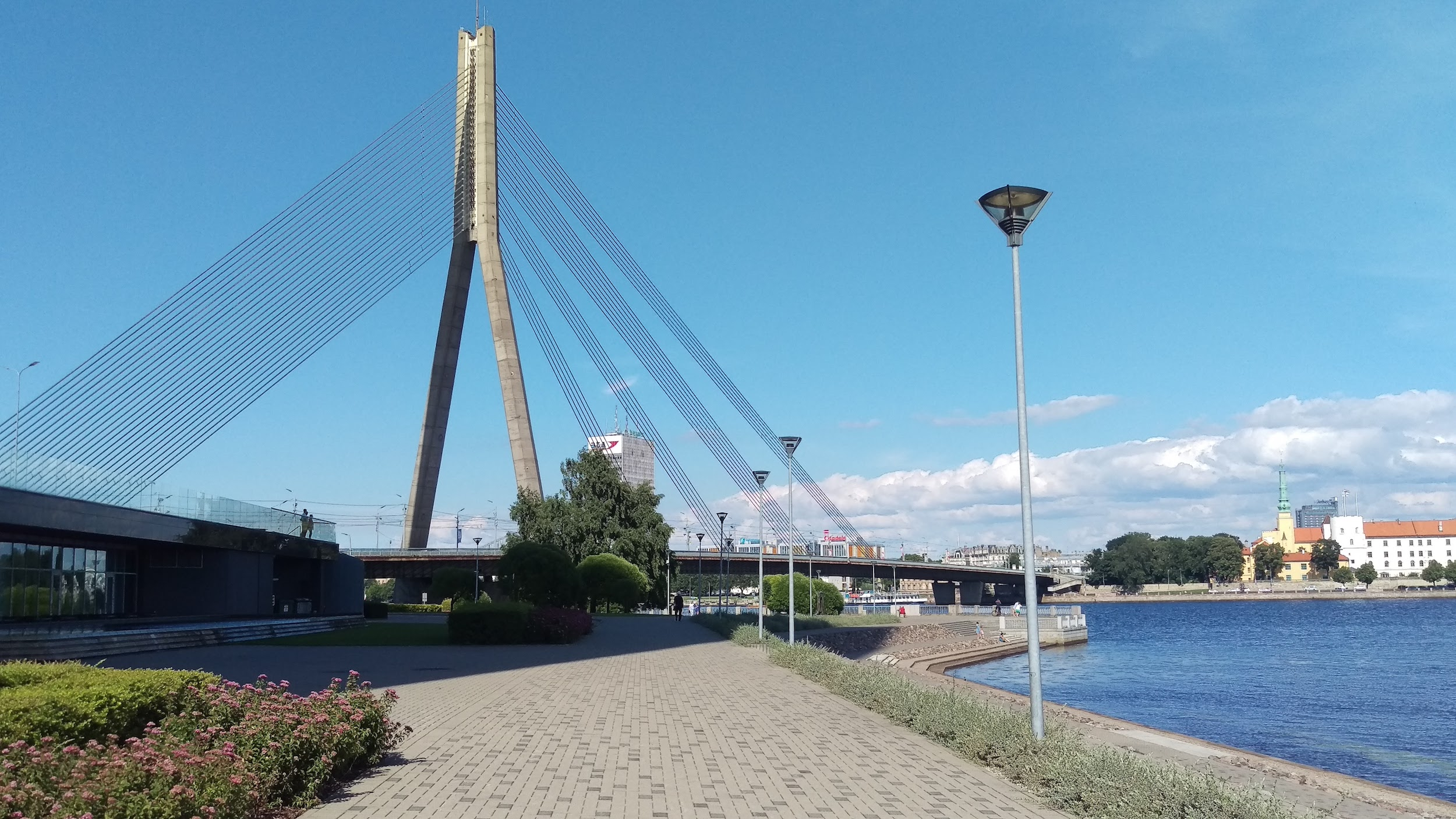 Vanšu bridge - Access to the neighborhood