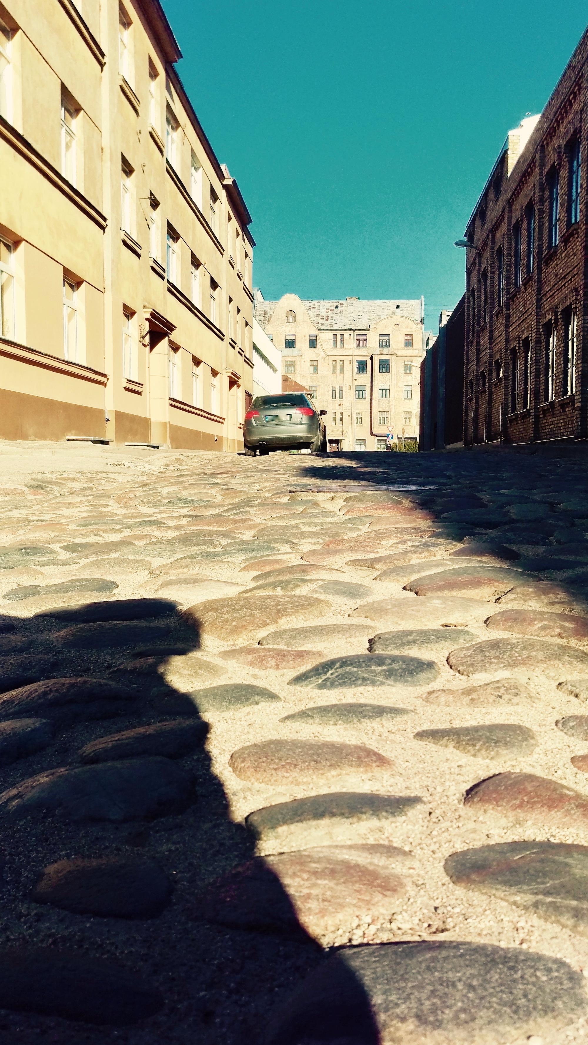 brasa-riga-cobble-stone