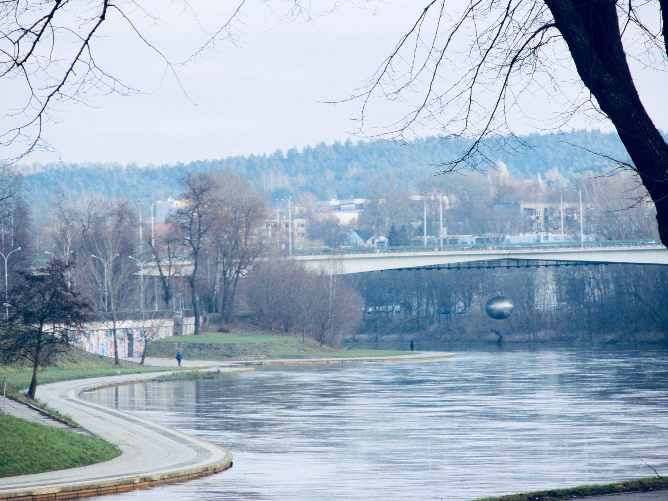 Žirmūnai Bridge across Neris River is connecting Žirmūnai and Antakalnis neighborhoods in Vilnius