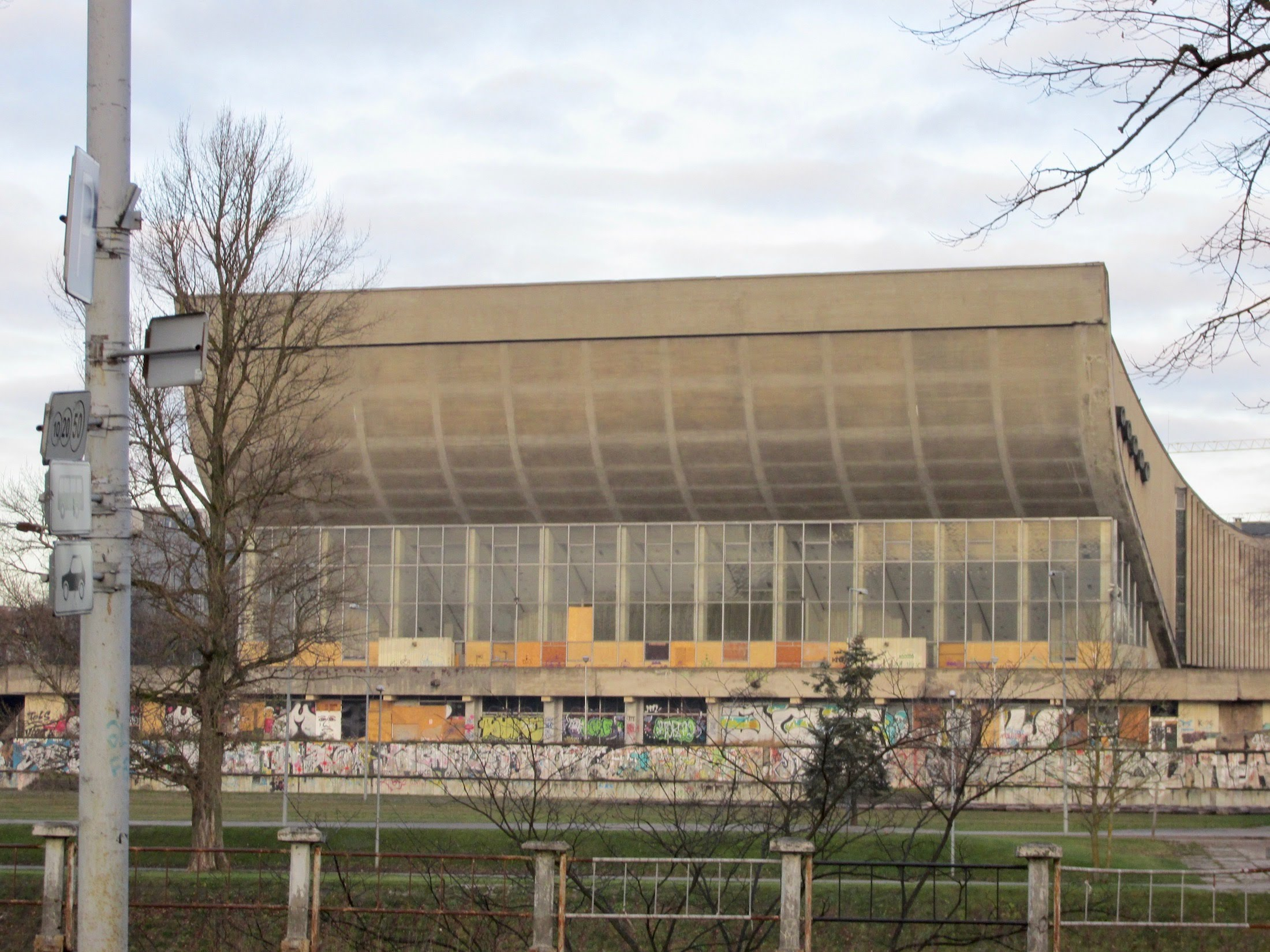 Palace of Concerts and Sports in Vilnius, Soviet-era architecture