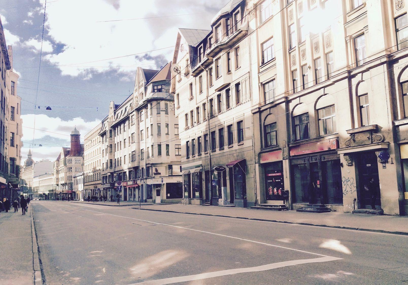 Aleksandra Čaka Street stretches 2.7 km