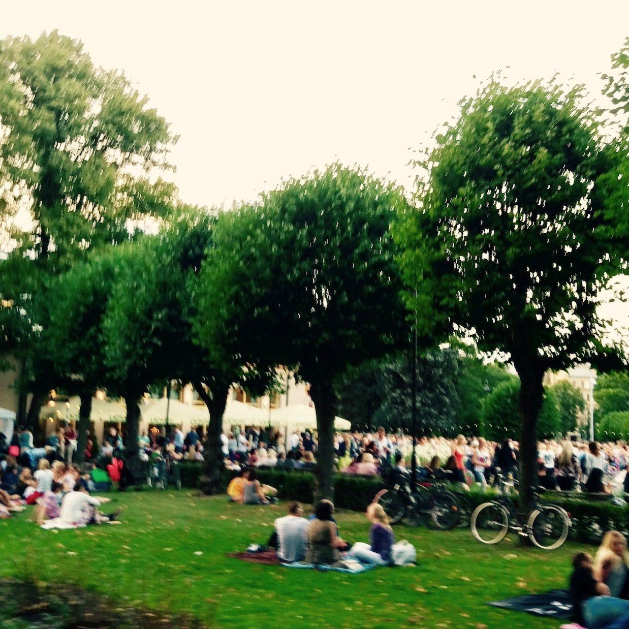 avoti-neighborhood-people-relaxing