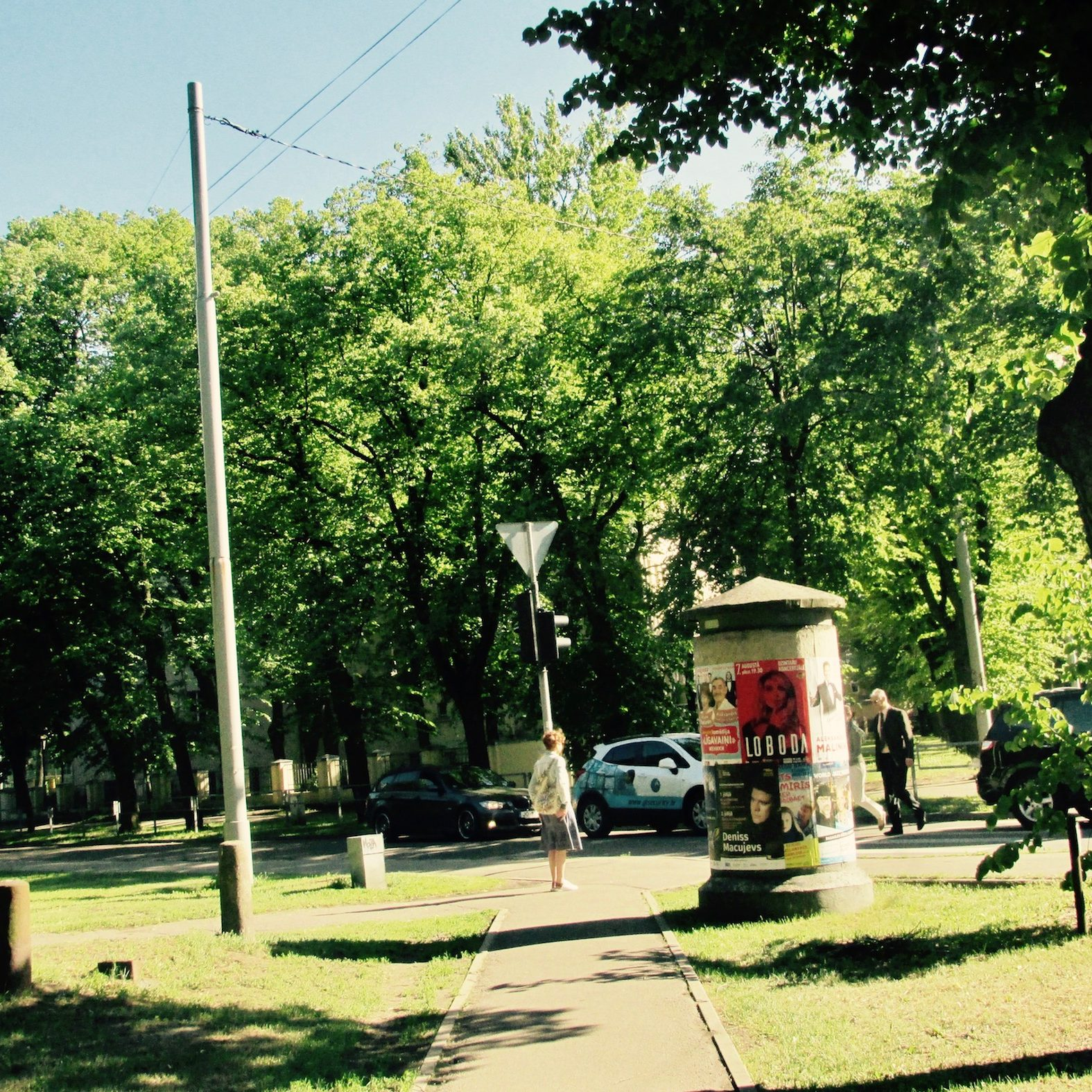 brasa-riga-neighborhood-lielie-kapi-cemetery